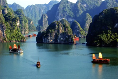 Halong bay is the best of south to north Vietnam tour package 16 days
